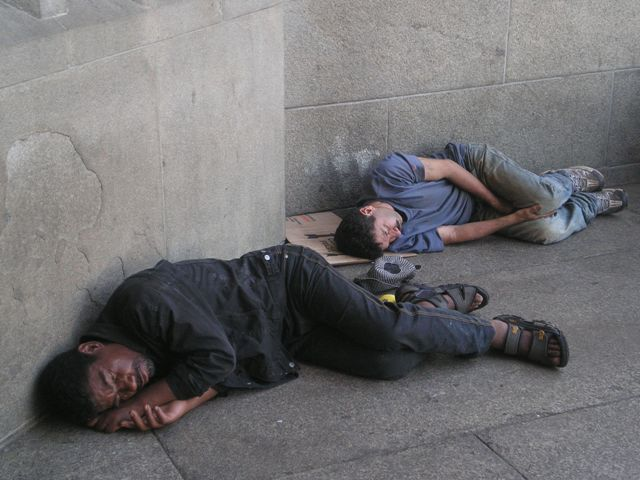 obdachlosekathedraltur.jpg