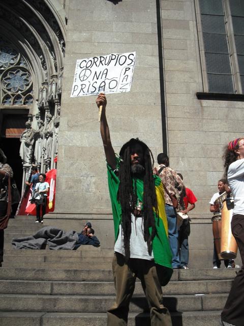 gritoprotestler.jpg