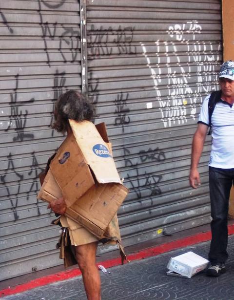 obdachloserpappekleidung2.JPG