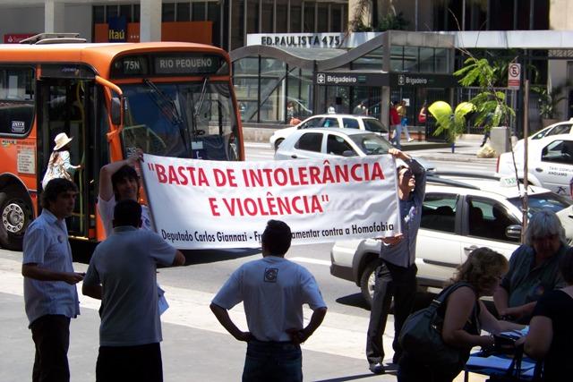 gayprotestpaulista2010.JPG
