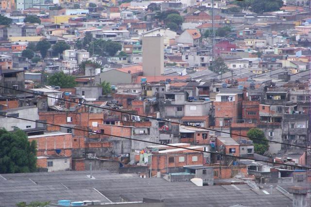 faveladivisa.JPG