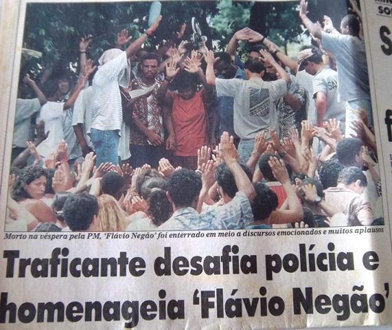 gangsterbeerdigungrio.JPG
