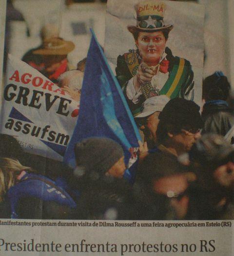 dilmaprotestrs.JPG