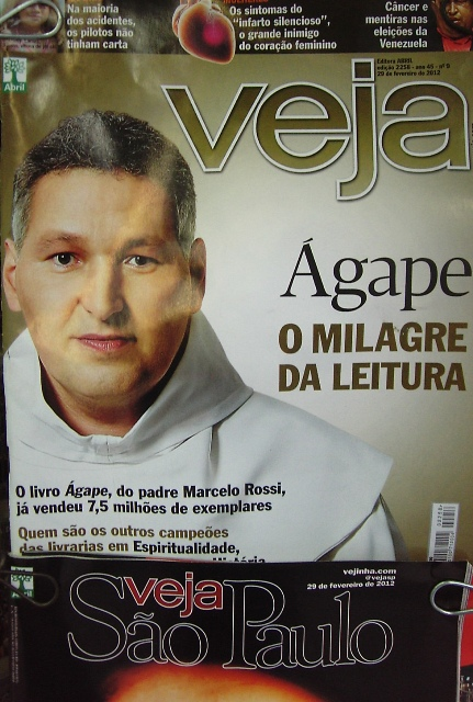 padremarceloagapevejacapa.JPG