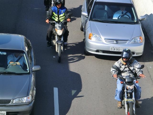 motorradfahrer2.jpg