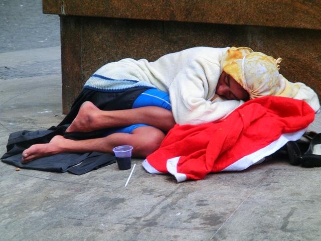 obdachlosefrau413.jpg