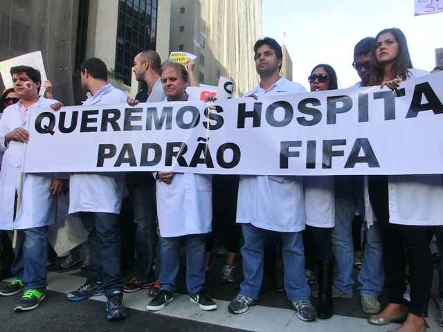 protestefifahospital1.jpg