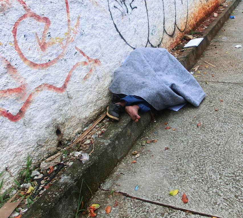 ObdachloserschlafendAlmLeao15